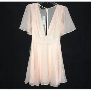 BEBE Flutter Dress Pink Pleated Size Petite 0